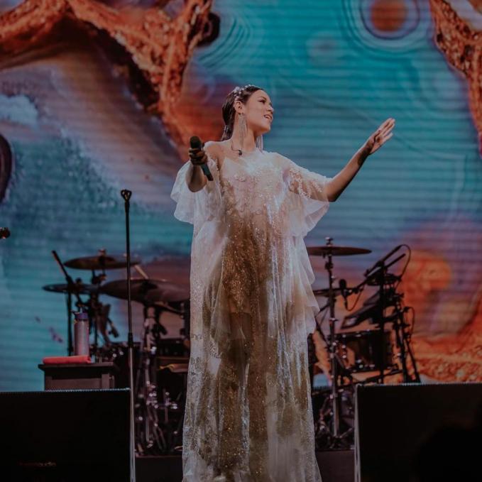 Sebelum menjalankan cuti hamil, istri dari Hamish Daud ini juga sempat menggelar konser tunggalnya.