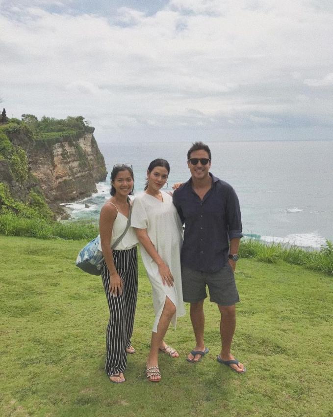 Hamil bukanlah penghalang bagi Raisa untuk liburan ke Bali bersama sang suami.