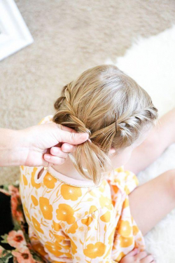 5 Gaya Kepang Rambut Anak Perempuan Ini Inspiratif Banget. Moms Wajib Nyobain Deh