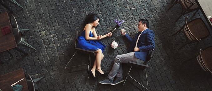 Foto couple berkonsep dunia terbalik, boleh juga.
