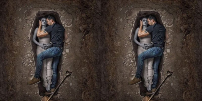 Pasangan ini juga ingin membuktikan cinta mereka tak akan luntur walau sampai liang kubur. Anti mainstream sih, tapi rada serem juga ya kalau harus pose di peti mati atau di liang kubur kayak gitu gengs.