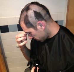 10 Foto Orang Salah Cukur Rambut Ini Bikin Kasihan