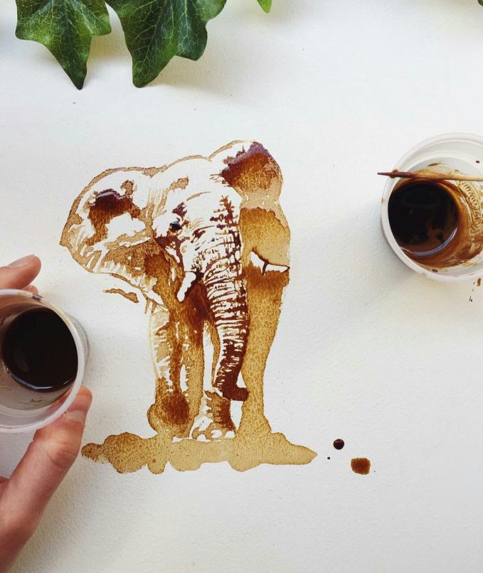 Walaupun hanya lukisan, gajahnya nampak detail banget lho.