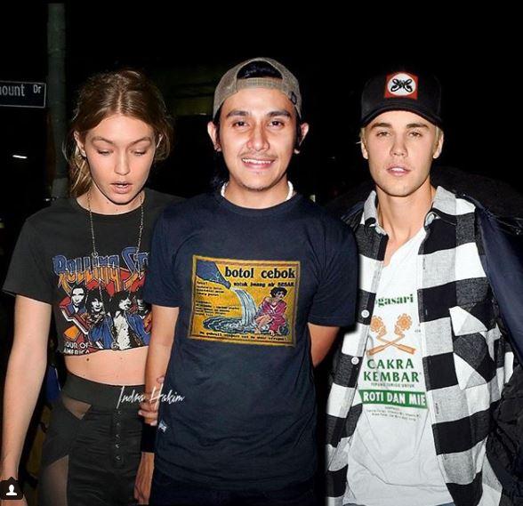 Vicky Nitinegoro diantara Gigi Hadid dan Justin Bieber sob.