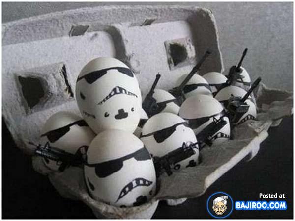 Waduh, bahaya nih kalau telur-telurnya berubah jadi Stormtrooper dan mau berontak kayak gini.