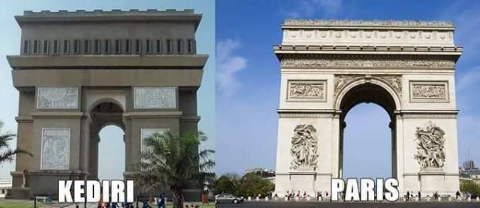 Monumen Simpang Lima Gumul, Kediri ini terlihat mirip sekali dengan monumen Arc De Triomphe di Paris.