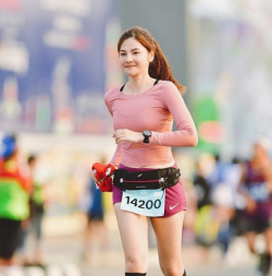 10 Potret Nam Katemanee, Pelari Cantik Dengan Body Goals Yang Tiada Tandingannya