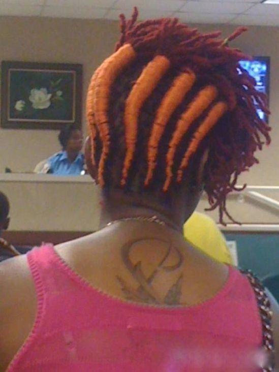 Wah, bisa tumbuh wortel nih rambutnya.