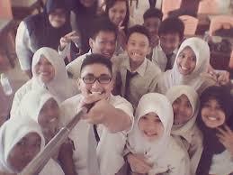 Selfie untuk dijadikan kenangan saat sekolah