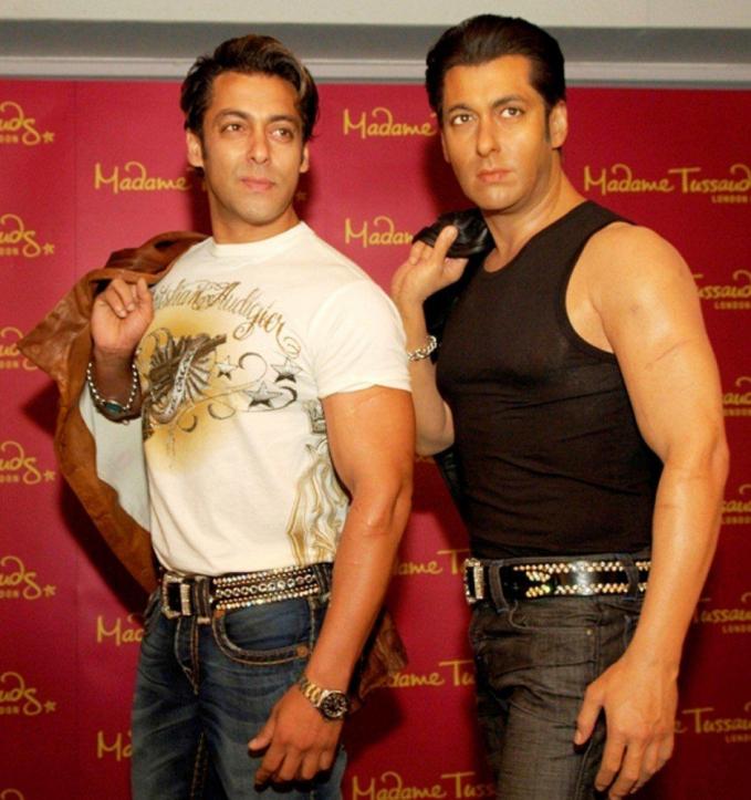 Otot dan goresan kulit lengan Salman Khan mirip banget.