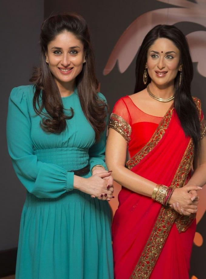 Senyuman patung Kareena Kapoor mirip banget dengan aslinya.