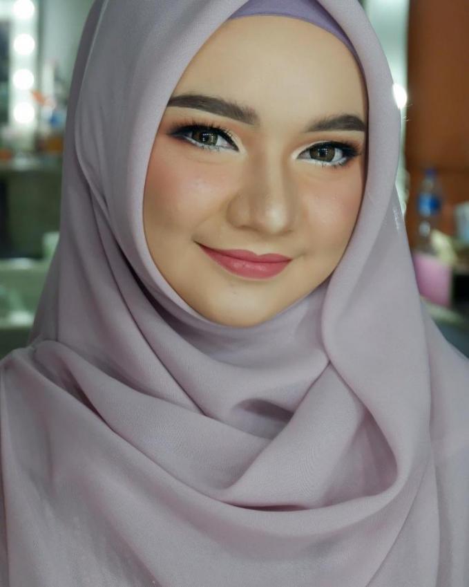 Rishmahani dikenal Witan Sulaeman sejak berusia sembilan tahun, dan mereka memadu cinta hingga kini. Cinta sejati mereka bikin Witan mencintai Timnas juga.