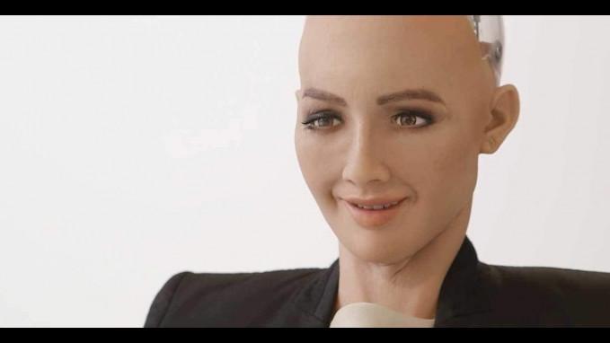 Robot Sophia Robot citizen ini pintar memahami masalah sekarang dan masa yang akan datang.
