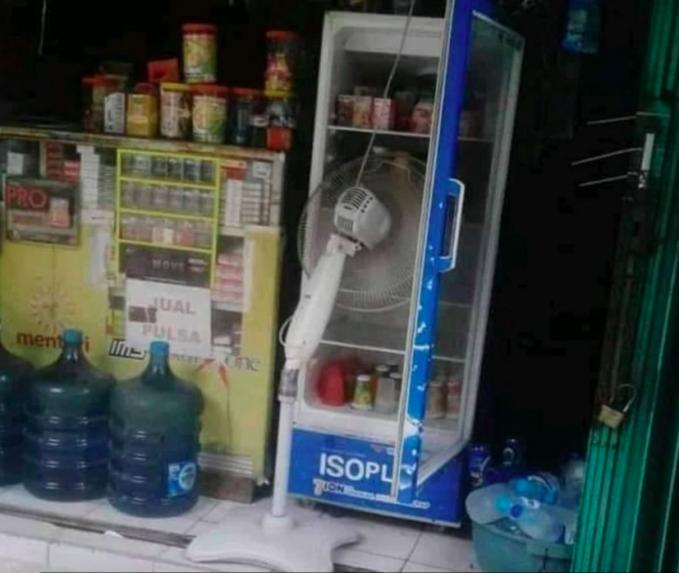 Saat freon kulkas habis, inilah yang terjadi.