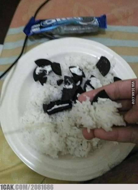 Makan Oreonya pakai nasi, biar kenyang.