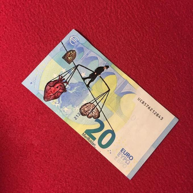 Apalagi kalau nominalnya 20 Euro, nggak sayang apa?.