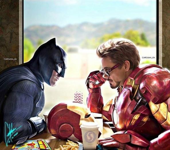 Mereka berdua lagi berunding, makan apa ya enaknya panas-panas gini?.