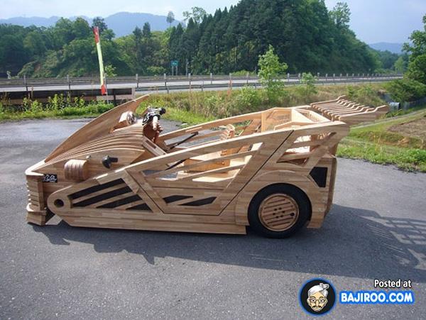 Selain hemat, dengan menggunakan kayu berat mobilnya bisa jadi berkurang daripada menggunakan besi.