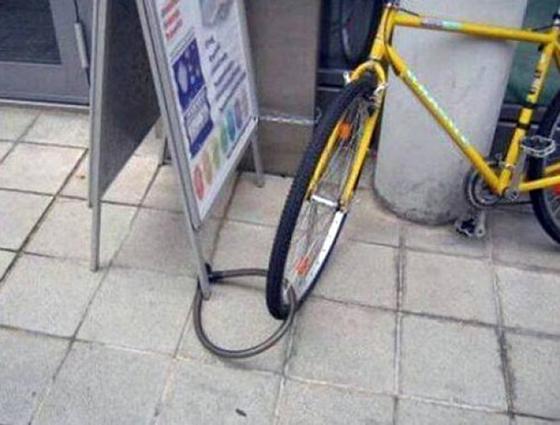 Yakin nih sepedanya bakalan aman dengan cara kayak gini?.