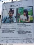 Bukan Hanya Kampanye, Undangan Pernikahan Ini Juga Memakai Baliho (9 Foto)