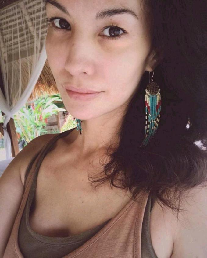 Nadia Hutagalung Mantan Vj MTV ini sudah menginjak 44 tahun, tapi wajahnya nggak berubah.