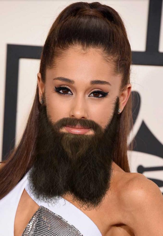 Hmm, Ariana Grande malah hilang deh pesonanya kalau brewokan begini.