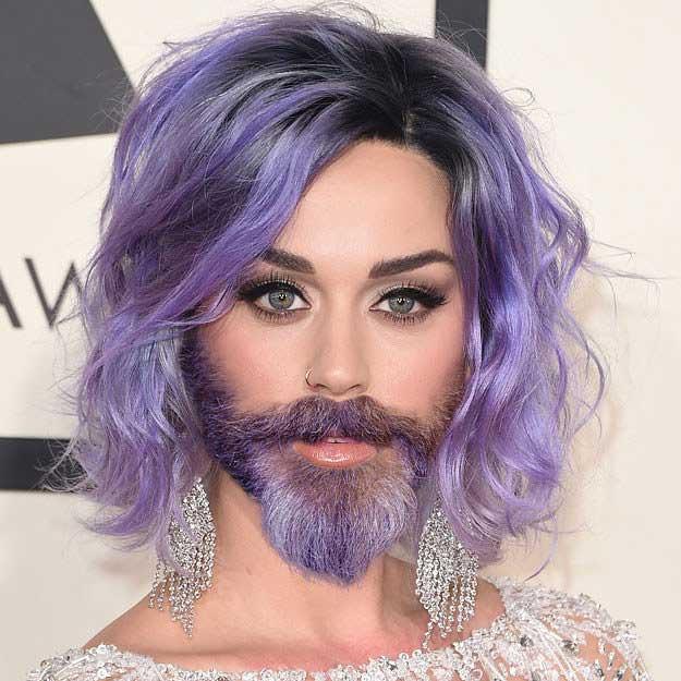 Brewok punya Katy Perry juga berwarna ungu menyesuaikan dengan warna rambutnya tuh. Beda jauh ya Pulsker wajah para selebritis cantik Hollywood ini kalau di edit jadi brewokan. Jadi hilang deh pesonanya dan bikin geli sendiri ngeliatnya. (Sumber : Worldwideinterweb, Brilio.net)