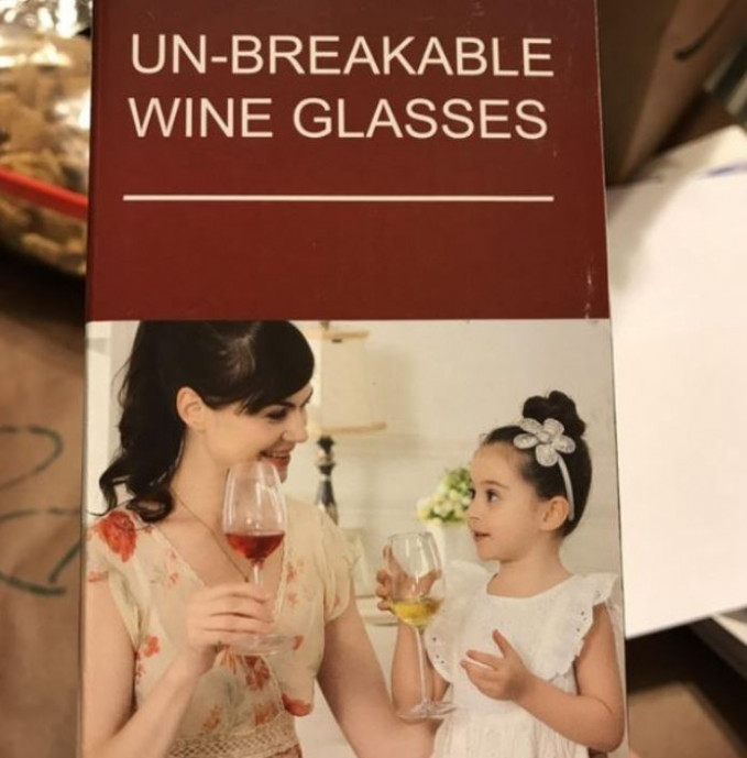 Waduh, pasti kalian mikirnya anak masih kecil kok sudah diajarin minum wine segala.