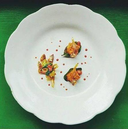 Inilah jadinya kalau sambal goreng teri disajikan ala restoran mahal. Gimana bisa kenyang kalau cuma segini :D