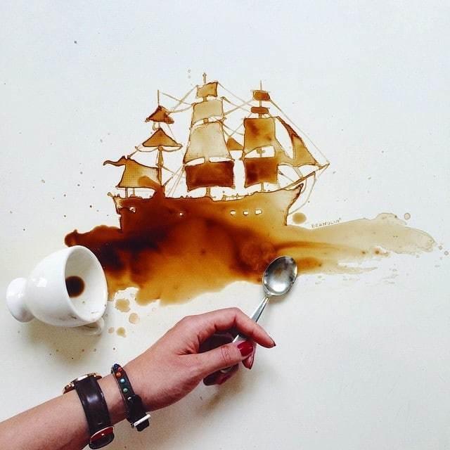Tumpahan kopi adalah hal yang paling nyebelin. Tapi di tangan seniman bisa dikreasikan menjadi sebuah lukisan kapal layar keren lho.