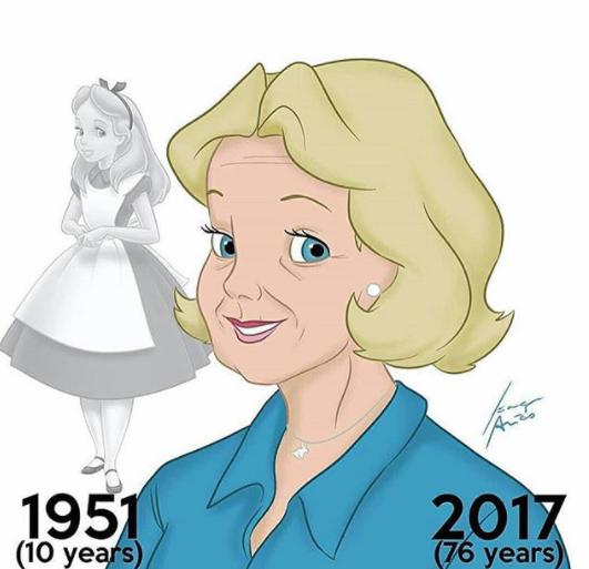 Di tahun 1951 ceritanya Alice dalam 'Alice in Wonderland' usianya sudah 10 tahun. Kalau sekarang sudah jadi nenek-nenek guys.