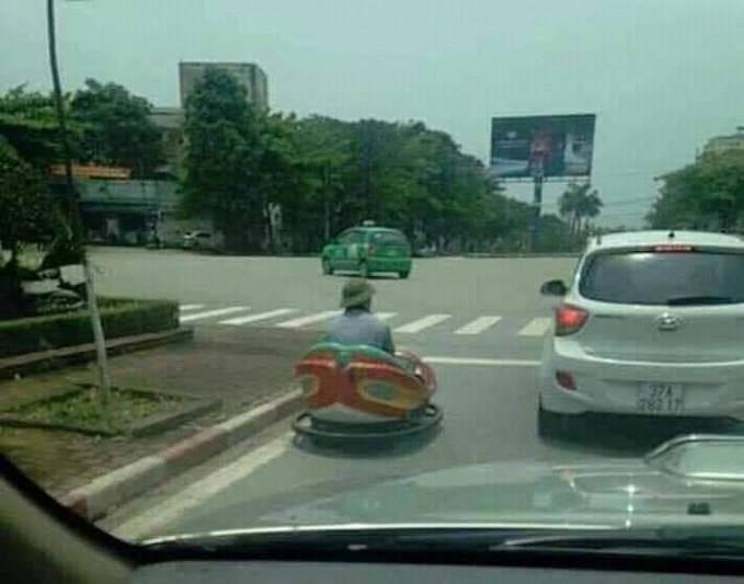 Saat bombomkart keluar lintasan dan memilih untuk jalan di jalan raya.