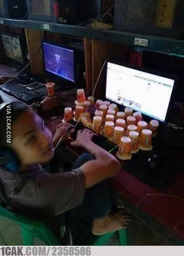 Karena sewanya berjam-jam, maka persediaan minumannya juga harus banyak :D