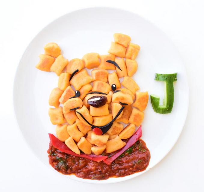 Gambar lucu Pooh yang terdiri dari kentang goreng plus sausnya yang lezat.