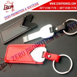 WOW Keren!!! USB Kulit Kunci FDLT26 4GB - USB Metal Key + Leather Pouch