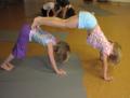 Potret Lucu Anak-Anak Saat Melakukan Gerakan Yoga