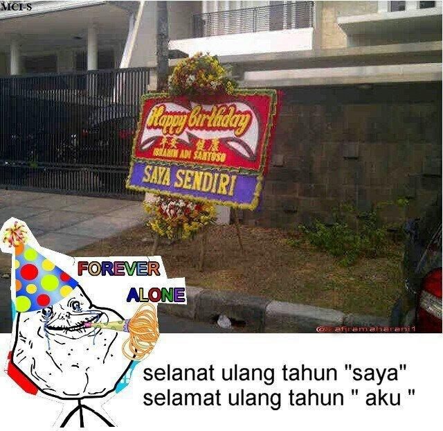 Ternyata nggak cuma 1 orang, pria ini juga mengucapkan selamat ulang tahun kepada diri sendiri dengan mengirim karangan bunga ke alamat rumahnya.