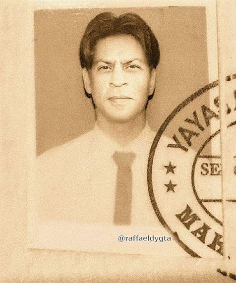 Komuk Shah Rukh Khan waktu SD sampai sekarang ternyata nggak ada yang berubah.