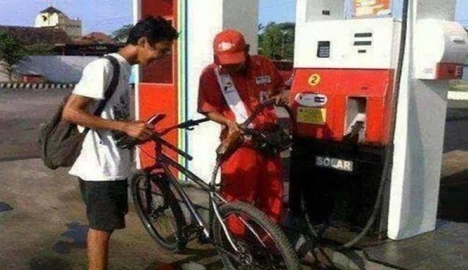 Lah, kalau kayak gini apanya yang diisi bensin ya?