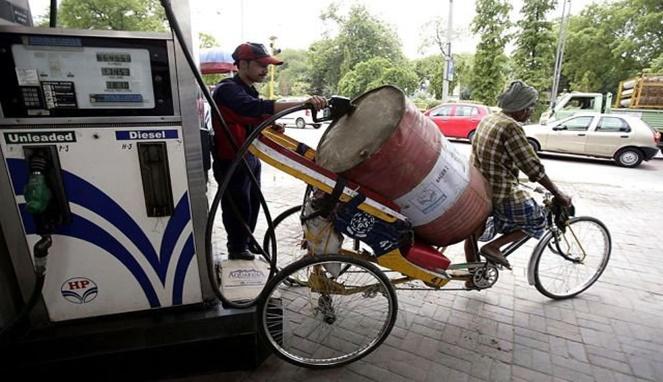 Dijamin deh bahan bakarnya nggak bakalan berkurang kalau gini ceritanya. Irit kan?