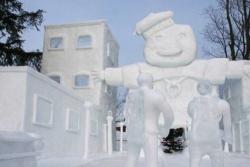 Patung-Patung Keren yang Terbuat dari Es Batu Karya Para Seniman