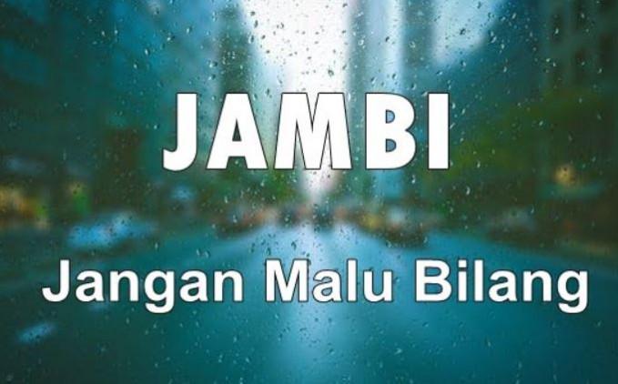 Mungkin orang Jambi memang pemalu semua.