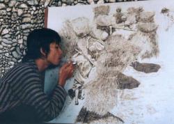 Keren, Seniman Ini Bikin Lukisan dari Obat Nyamuk dan Rokok
